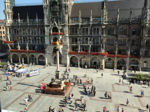 Blick vom Presseclub auf den Münchner Marienplatz (Bild: Matthias Lange)
